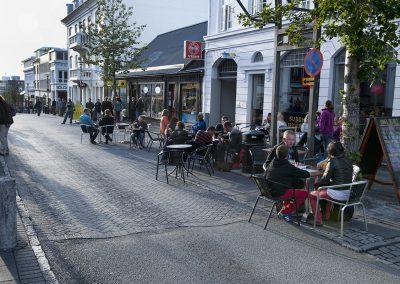 Stemning på strøget i charmerende Reykjavik