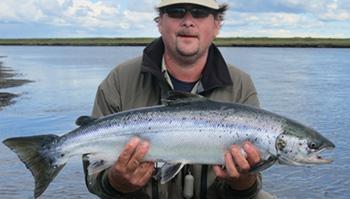 Laksefiskeri i Island med ISLANDSREJSER og Lars Viberg som guide.