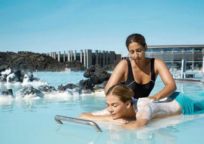 Blue Lagoon geotermiske luksus spa på kør-selv ferie bilferie eller grupperejse med ISLANDSREJSER