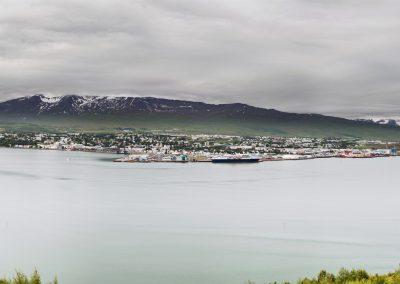 Akureyri set fra den modsatte side af fjorden