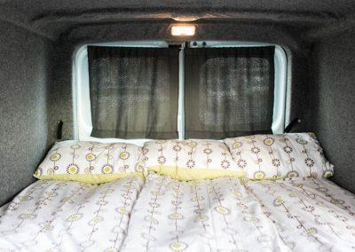Auto Camper Van i Island - med sengene redt