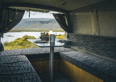 Auto Camper Van i Island - udsigt til naturen