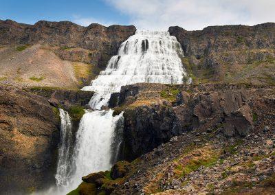 Det mægtige vandfald Dynjandi består af flere vandfald