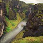 Fjadrargljufur er en yderst seværdig kløft der i høj grad er et besøg værd. Også et skønt hiking-område.