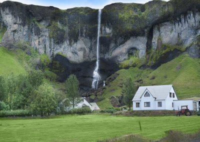 Det høje vandfald Foss á Sidu