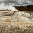 På Kjölur kommer I forbi spændende Hvervellir hvor det syder og bobler. Her kan I også tage et bad i det geotermisk opvarmede vand.