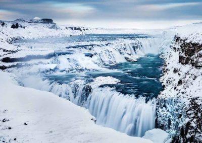 Gullfoss-vandfaldet i Island i smuk vinterdragt