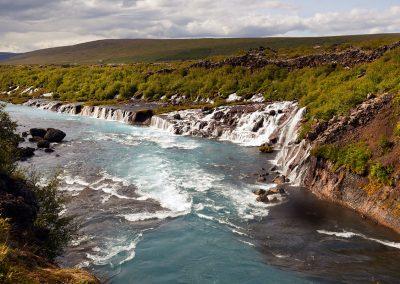 Hraunfossar - et smukt vandfald i Borgarfjördur området :: foto: Lars Viberg - ISLANDSREJSER