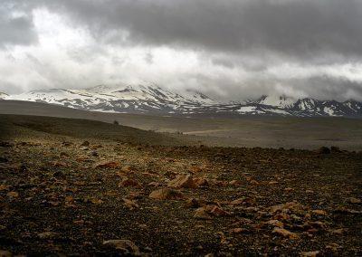 Lavamarker og sneklædte bjerge langs Kjølur højlandsvej