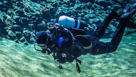 Dykning eller snorkling i Island - bl.a. ved Silfra / Thingvellir.