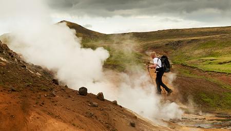 Hiking i Island her i det storslåede Hengill-område