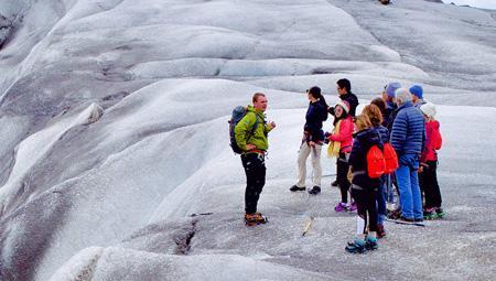 Gletsjervandring og hiking på bl.a Vatnajökull - den største gletsjer i Europa