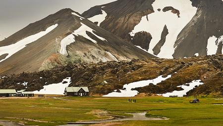 Hiking i storslåede Landmannalaugar i Island