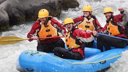 River Rafting i Island i smukke omgivelser. Både mod syd og i det nordlige Island ifm jeres kør-selv ferie