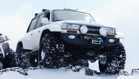 Super Jeep på den mægtige Vatnajökull - den største gletsjer i Island