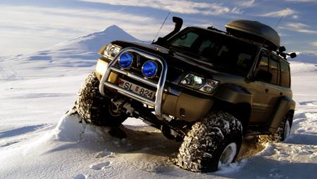 Super Jeep i Island. Kør off-road og på gletsjerne i de fantastiske landskaber i Island
