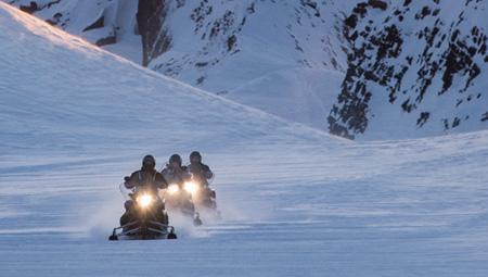 Snescooter i Island - her i Den Gyldne Cirkel på Langjökull gletsjeren