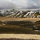 Uforglemmelige Landmannalaugar med de karaktaristiske bjerge.