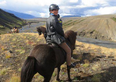 Mette Viberg på ridetur i det smukke Thorsmörk område