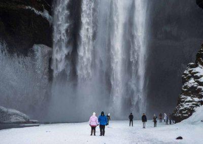 Skogafoss-vandfaldet i Island om vinteren