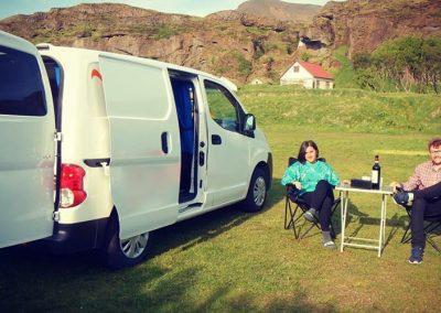 Auto Camper Van i Island - afslapning i naturen
