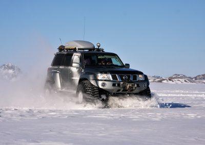 Super Jeep på Eyjafjallajökull i Island på kør-selv ferie og bilferie med ISLANDSREJSER