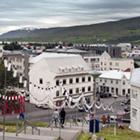 Akureyri er den næststørste by i Island. En rigtig hyggelig by i smukke omgivelser.