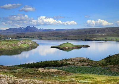 Den smukke sø Ulfljotsvatn tæt ved Thingvallavatn