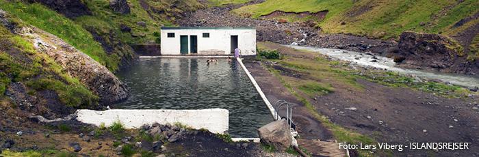 Seljavallalaug Geotermiske bade i Island med ISLANDSREJSER