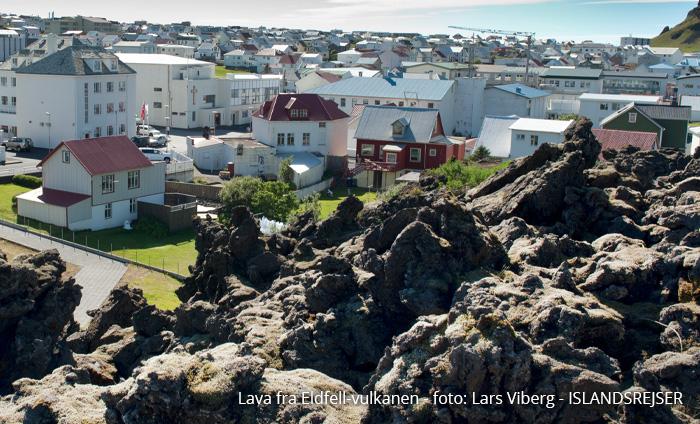 Vulkanerne i Island . lava fra Vestmanaøerne tæt ved byen
