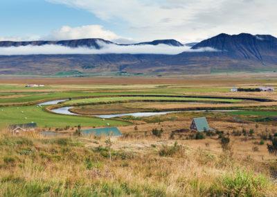 Varmahlid og frodig dal på kør-selv ferie bilferie og grupperejser i Island med ISLANDSREJSER
