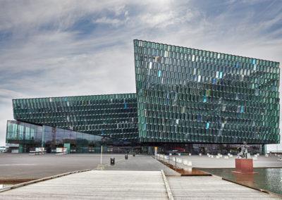 Harpa kulturhus i Reykjavik på kør-selv ferie bilferie og grupperejser i Island med ISLANDSREJSER