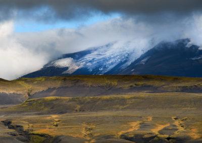 Hekla-vulkanen i farverigt landskab på kør-selv ferie bilferie og grupperejser i Island med ISLANDSREJSER