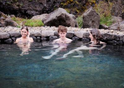 Geotermisk bad ved Husafell Canyon Baths på kør-selv ferie bilferie og grupperejser i Island med ISLANDSREJSER