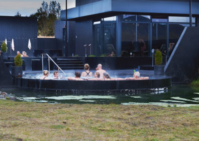Krauma geotermiske bad på kør-selv ferie bilferie og grupperejser i Island med ISLANDSREJSER