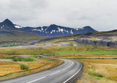 På vej til Borgarnes på kør-selv ferie bilferie og grupperejser i Island med ISLANDSREJSER
