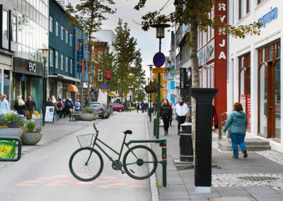 Laugarvegur i Reykjavik på kør-selv ferie bilferie og grupperejser i Island med ISLANDSREJSER