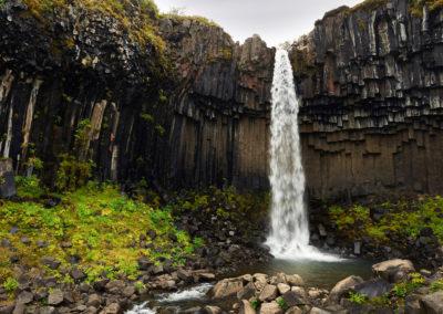 Svartifoss ved Skaftafell på kør-selv ferie bilferie og grupperejser i Island med ISLANDSREJSER