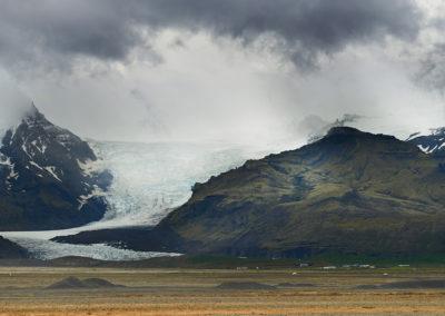 Gletsjertunge ved Vatnajokull på kør-selv ferie bilferie og grupperejser i Island med ISLANDSREJSER