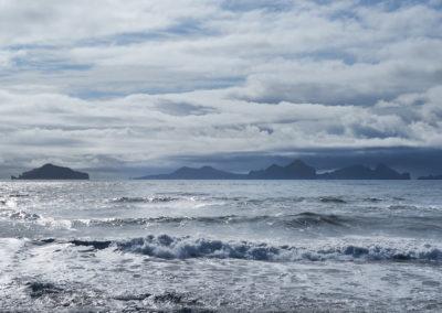 Vestmannaøerne i horisonten på kør-selv ferie bilferie og grupperejser i Island med ISLANDSREJSER